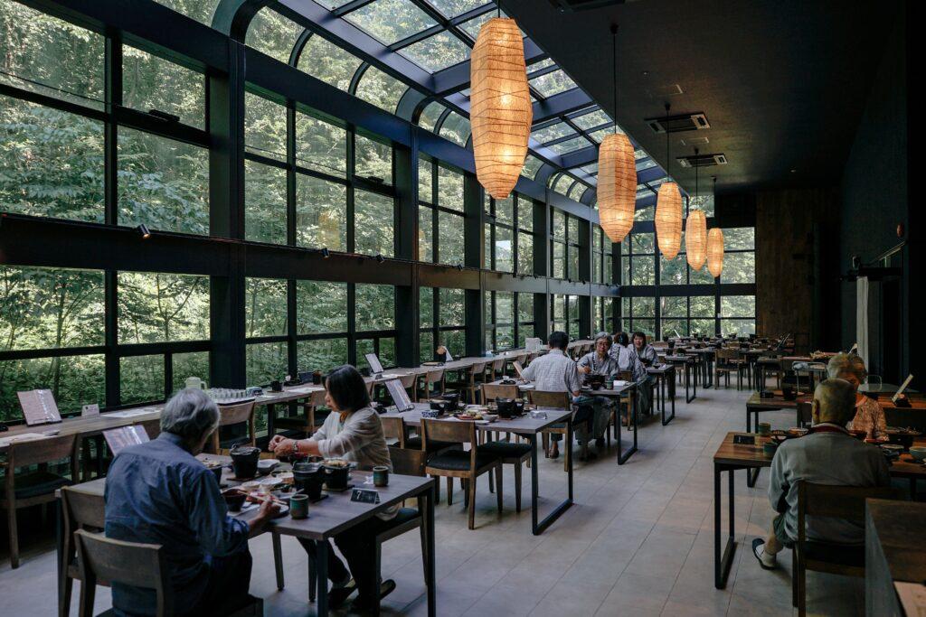 Restaurante de lujo con hermosa vista