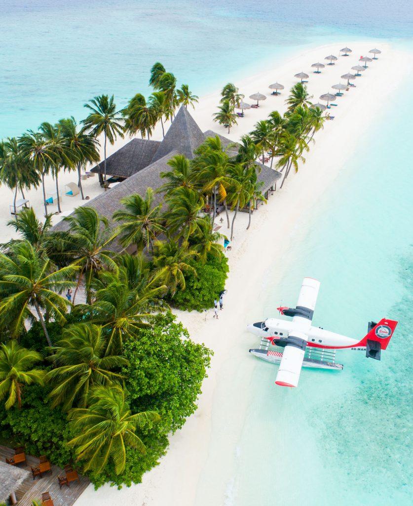 Avion de lujo en isla paradisiaca