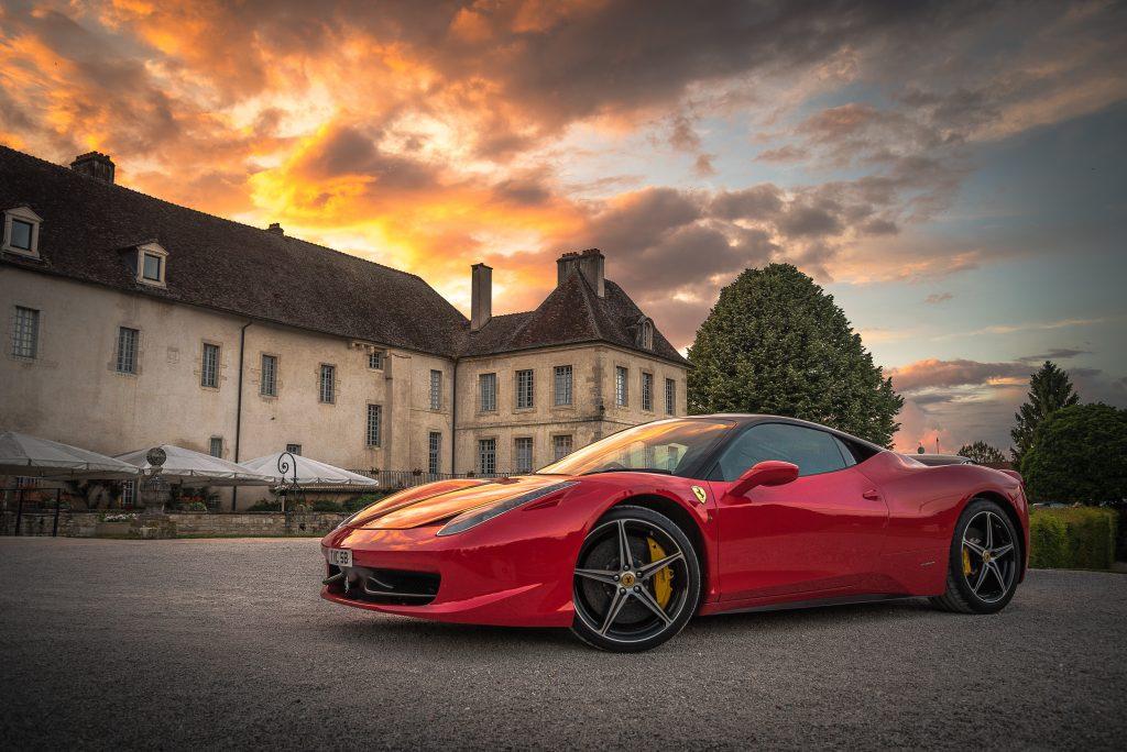 Ferrari deportivo de lujo